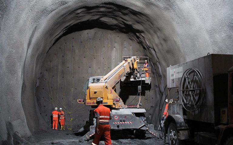 Tunnel Bohrungen